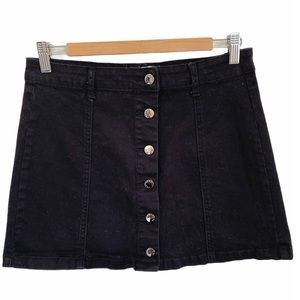 Forever 21 black button up skirt size 30